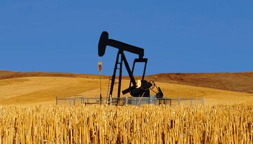 crude oil derrick