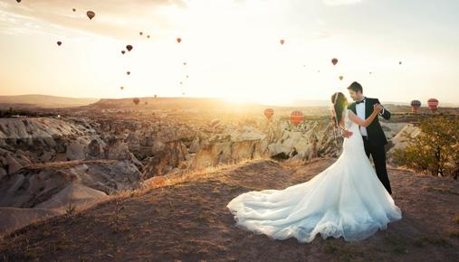 Splurge on a Dream Wedding ... or Pay Down Debt and Buy a House?